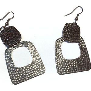 Embossed Squared Metallic Layered Dangle Earrings